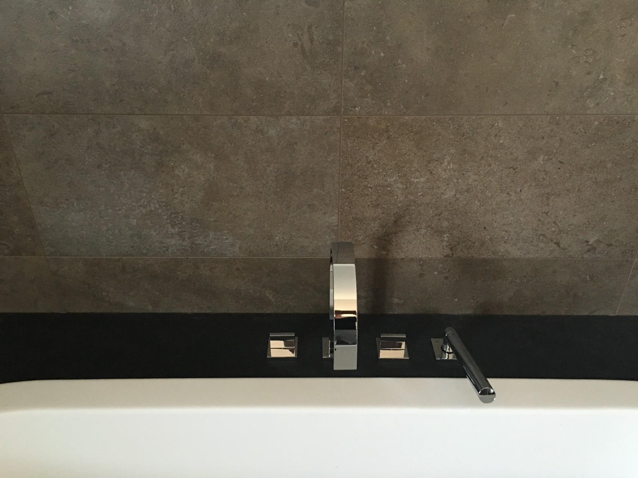 Vloer en- wandbekleding in badkamer - Wouter Barzeele bvba ...