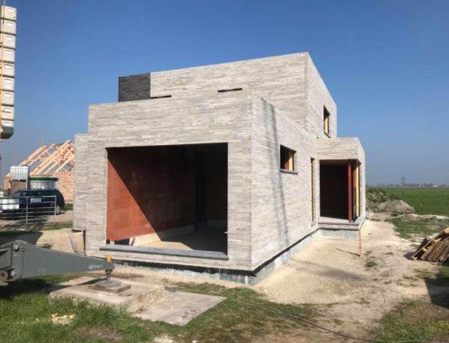Nieuwbouw te Schore (Middelkerke) – verlijmen van gevelstenen Geostylistix